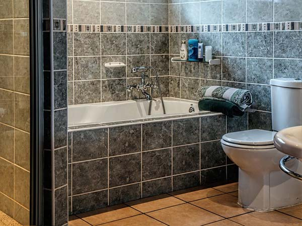 Bathroom - Image Credit: http://pixabay.com/en/users/stevepb-282134/
