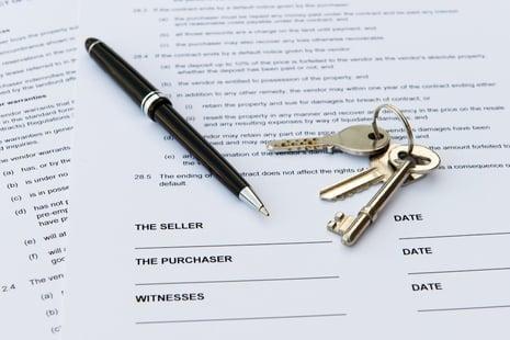 selling-paperwork